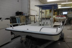Center console boat in need of gelcoat repair - JDOC Marine LLC